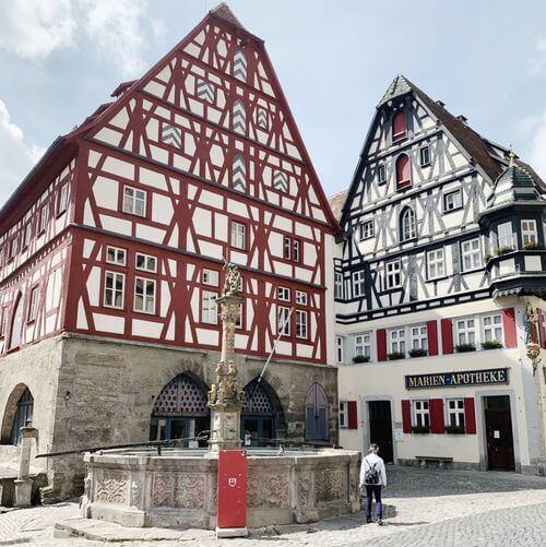 慕尼黑必玩-Rothenburg ob der Tauber 羅滕堡 = 羅騰堡-Georgsbrunnen 聖喬治屠龍雕像噴水池