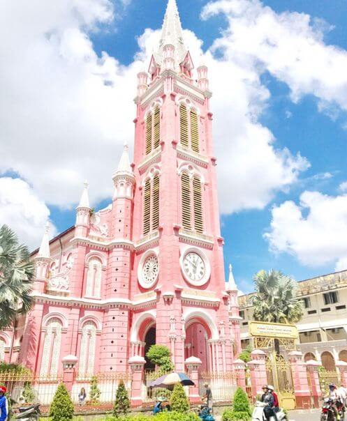 胡志明必玩-耶穌聖心堂 Nhà thờ Tân Định (粉紅教堂 / 新定教堂)