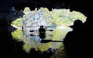 河內自由行-下龍灣- 明暗洞 Dark & Bright Grotto