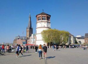 德國杜塞道夫必玩-Schlossturm 城堡塔樓 = 宮塔