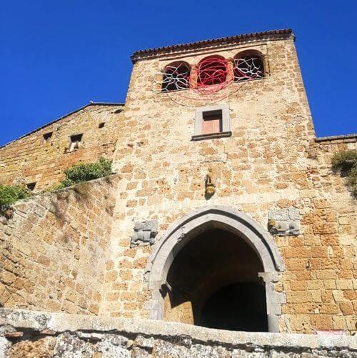 義大利白露里治奧 CIVITA DI BAGNOREGIO必玩 -Porta Santa Maria 城門