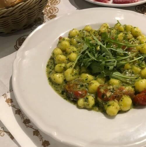"義大利白露里治奧 CIVITA DI BAGNOREGIO必吃 -Trattoria ""Osteria al forno di Agnese"""