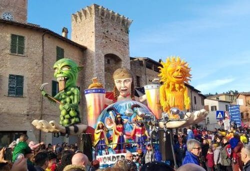 義大利聖吉米尼亞諾 San Gimignano必玩 -Carnevale di San Gimignano 聖吉米尼亞諾寓言狂歡節