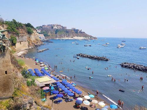 義大利普羅奇達島 Isola di Procida 必玩 - Spiaggia Chiaia 基亞亞海灘