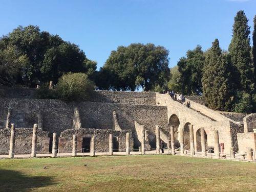 義大利龐貝 = 蓬佩伊 Pompeii 必玩 - Regio VIII 11 Quadriporticus of the theatres or Gladiators Barracks (義 Quadriportico dei teatri o Caserma dei Gladiatori)