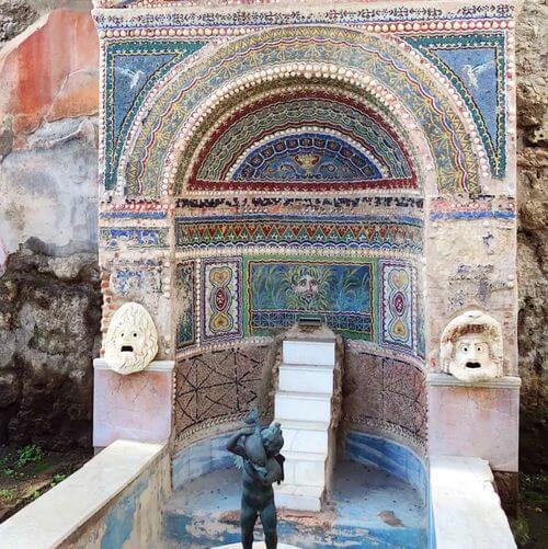 義大利龐貝 = 蓬佩伊 Pompeii 必玩 - Regio VI 20 House of the Large Fountain (義 Casa della Fontana Grande)