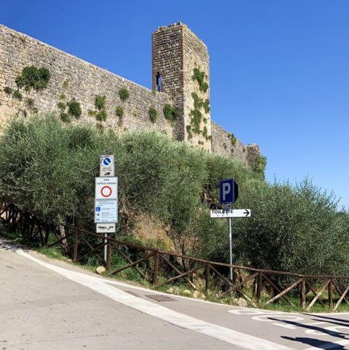 義大利蒙特里久尼 = 蒙特里焦尼 Monteriggioni必玩 -Porta Franca 羅馬門 (入城門)