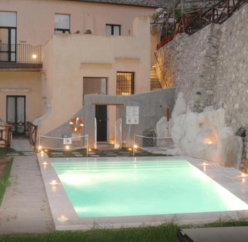 小資精選網紅飯店-阿瑪菲假日度假飯店 - Amalfi Holiday Resort