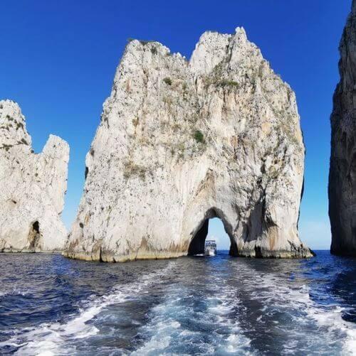 義大利卡布里島 ISOLA DI CAPRI 必玩 - 卡普里奇岩 Faraglioni