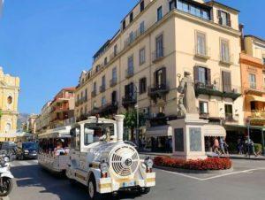 義大利索倫托SORRENTO 必玩 - Piazza Tasso 塔索廣場 = 市中心廣場