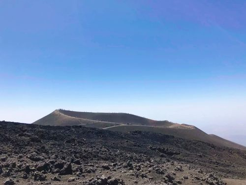 義大利埃特納火山 Etna 必玩 - 2002年大爆發留下的火山口