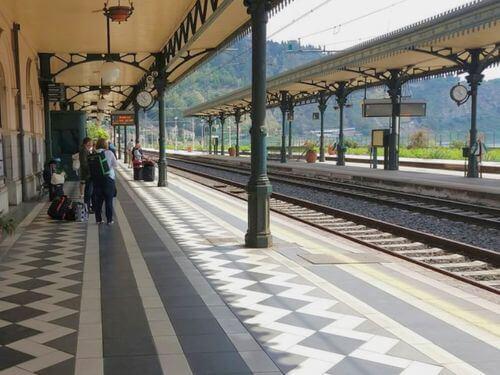 義大利Stazione di Taormina-Giardini 陶爾米納-賈爾迪尼車站