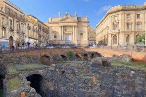 義大利卡塔尼亞 Catania 必玩 - Anfiteatro Romano di Catania 卡塔尼亞古競技場遺址