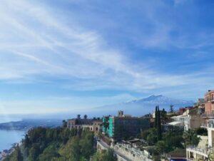 義大利陶爾米納 Taormina (西西里語 Taurmina) 必玩 - Piazza IX Aprile 四九廣場