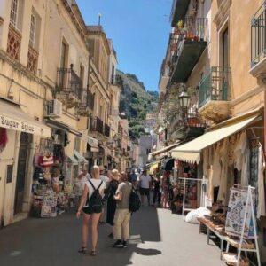 義大利陶爾米納 Taormina (西西里語 Taurmina) 必玩 - Corso Umberto 恩貝托大道