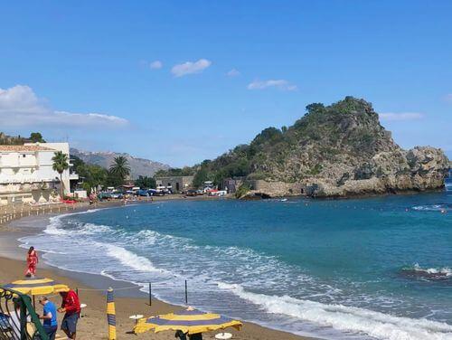義大利陶爾米納 Taormina (西西里語 Taurmina) 必玩 - Spiaggia Mazzarò