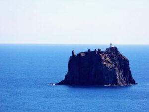 義大利斯特龍伯利島 ISOLA DI STROMBOLI 必玩 -Spiaggia di Ficogrande 海灘