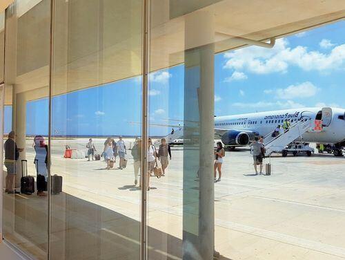 義大利蘭佩杜薩島 Isola di Lampedusa 必玩 - Aeroporto di Lampedusa 蘭佩杜薩機場 (LMP)
