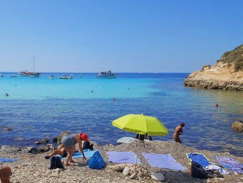 義大利蘭佩杜薩島 Isola di Lampedusa 必玩 - Spiaggia di Cala Pulcino 卡拉·普爾奇諾海灘