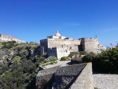 義大利米拉佐 Milazzo (西西里語 Milazzu) 必玩 - Castello di Milazzo 米拉佐城堡