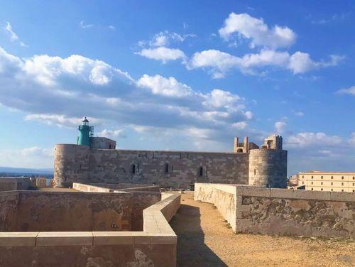 義大利錫拉庫薩 = 敘拉古 Siracusa (Syracuse) 必玩 - Castello Maniace 馬尼亞切城堡 = 瑪尼亞瑟城堡