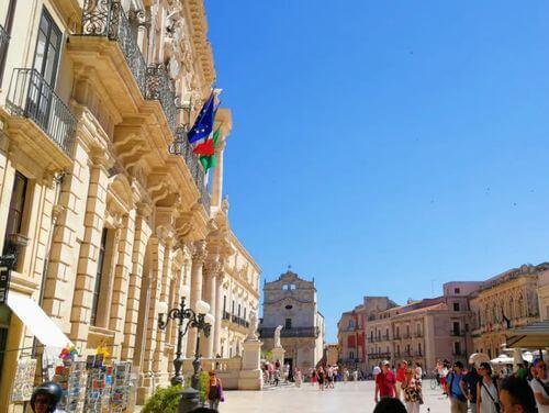 義大利錫拉庫薩 = 敘拉古 Siracusa (Syracuse) 必玩 - Piazza Duomo 多莫廣場 = 大教堂廣場