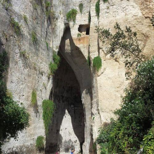 義大利錫拉庫薩 = 敘拉古 Siracusa (Syracuse) 必玩 - Orecchio di Dionisio 狄奧尼修斯之耳 = 貓耳朵