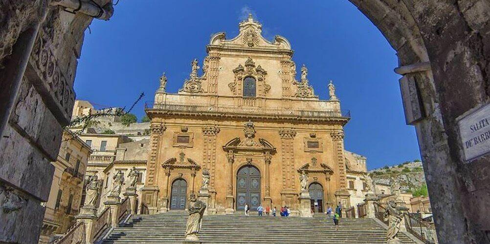 義大利莫迪卡 = 莫迪克 Modica (西西里語 Muòrica)必玩 - Chiesa di San Pietro 聖彼得大教堂