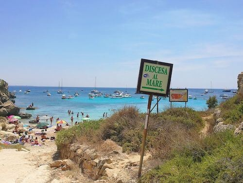 義大利法維尼亞納島 Isola di Favignana (西西里語 Faugnana) 必玩 - Scogliera Cala Azzurra 卡拉阿祖拉海灘