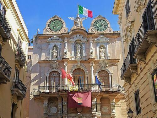 義大利特拉帕尼 Trapani (西西里語 Tràpani) 必玩 - Palazzo Senatorio = Palazzo Cavarretta 參議員宮 = 卡瓦雷塔宮