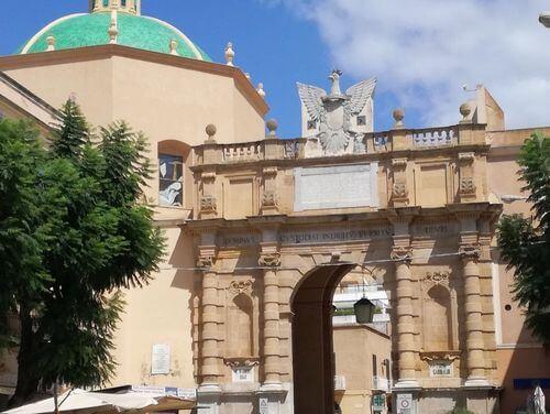 義大利馬薩拉 Marsala (西西里語 Maissala) 必玩 - Porta Garibaldi 加里波第門