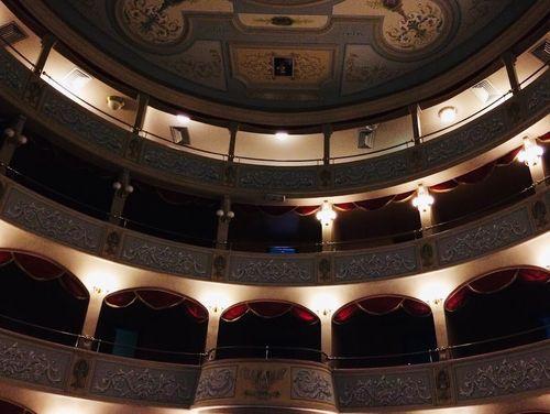 義大利莫迪卡 = 莫迪克 Modica (西西里語 Muòrica)必玩 - Fondazione Teatro Garibaldi 加里波第劇院