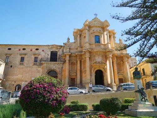 義大利諾托 Noto (西西里語 Notu) 必玩 - Chiesa di San Domenico 聖多米尼克大教堂