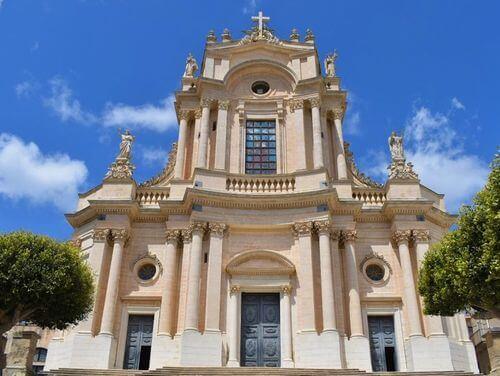 義大利莫迪卡 = 莫迪克 Modica (西西里語 Muòrica)必玩 - Chiesa di San Giovanni Evangelista 聖喬瓦尼·伊万格里斯塔教堂