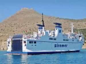 義大利法維尼亞納島 Isola di Favignana (西西里語 Faugnana) 必玩 -Porto di Favignana 法維尼亞納港