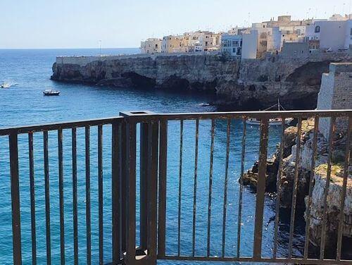 義大利波利尼亞諾·阿·馬雷 Polignano a Mare (巴里方言 Peghegnéne a Mare)必玩 - View Point 觀海平台