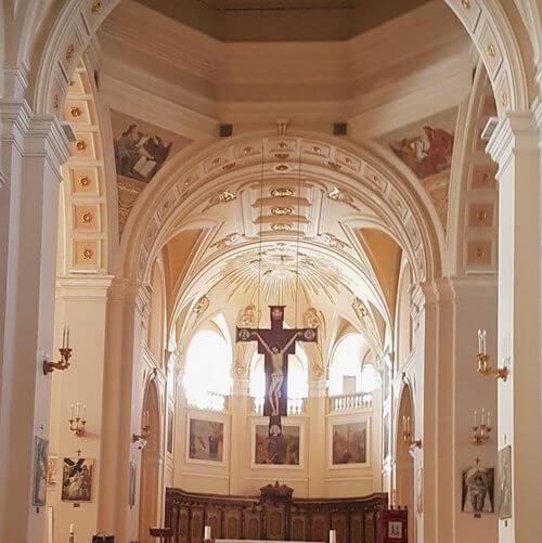 義大利阿爾貝羅貝洛 Alberobello (巴里方言 Ajarubbédde)必玩 - Basilica Santuario Parrocchia Santi Medici Cosma e Damiano 聖科斯馬和達米亞諾聖殿 = 聖醫教堂