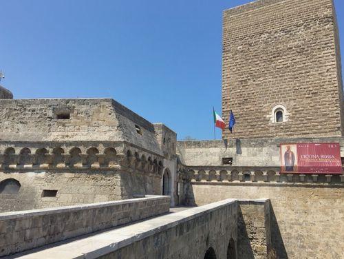 義大利巴里 Bari (巴里方言 Bare) 必玩 - Polo museale della Puglia = Castello Normanno-Svevo 斯瓦比亞城堡