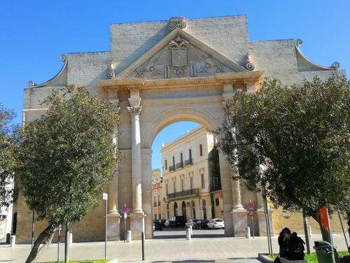 義大利萊切 = 萊可仕 = 雷契 Lecce 必玩 - Porta Napoli 拿坡里門 (那不勒斯門)
