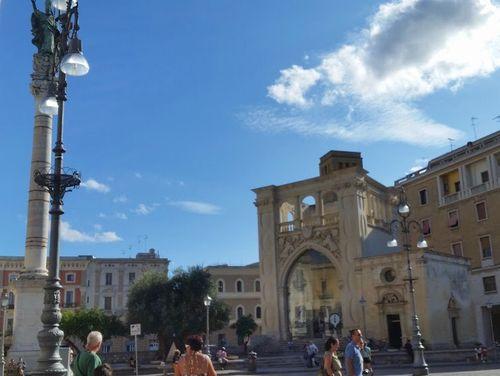 義大利萊切 = 萊可仕 = 雷契 Lecce 必玩 - Colonna di Sant'Oronzo 聖奧倫佐紀念柱