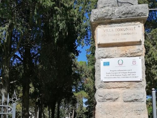 義大利阿爾貝羅貝洛 Alberobello (巴里方言 Ajarubbédde)必玩 - Villa Donnaloja = Villa Comunale 市政公園