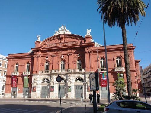 義大利巴里 Bari (巴里方言 Bare) 必玩 - Fondazione Teatro Petruzzelli 皮特魯切利劇院