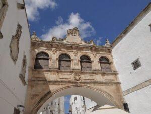 義大利奧斯圖尼 Ostuni (巴里方言 Ostune)必玩 - Arco Scoppa 斯科普帕拱門