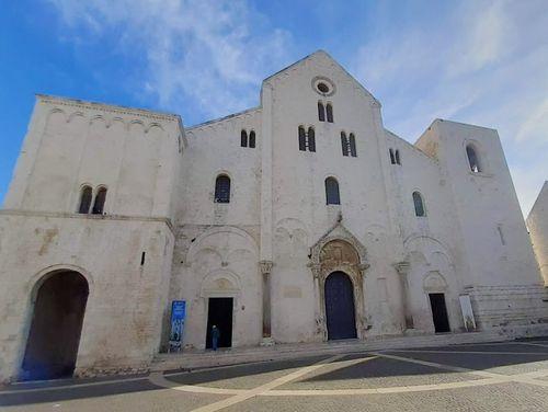 義大利巴里 Bari (巴里方言 Bare) 必玩 - Basilica San Nicola 聖尼各老聖殿 = 聖尼古拉大教堂
