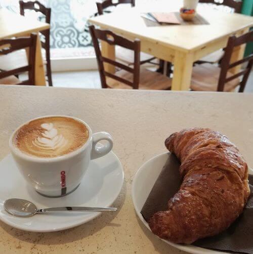 義大利阿爾貝羅貝洛 Alberobello (巴里方言 Ajarubbédde)必吃 - 88 GRADI - Caffè & Gusto