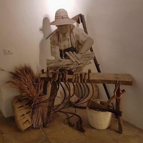 "義大利阿爾貝羅貝洛 Alberobello (巴里方言 Ajarubbédde)必玩 - Museo del Territorio ""Casa Dottor Giacomo Giuseppe Pezzolla"" 佩佐拉博物館"