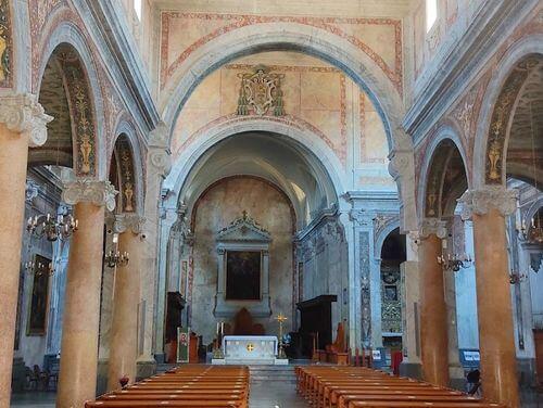 義大利奧斯圖尼 Ostuni (巴里方言 Ostune)必玩 - Concattedrale di Santa Maria Assunta in Cielo = Concattedrale di Ostuni 奧斯圖尼大教堂