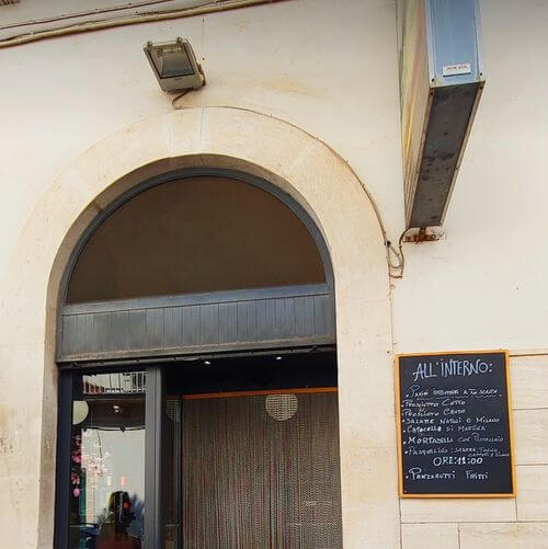 義大利阿爾貝羅貝洛 Alberobello (巴里方言 Ajarubbédde)必吃 - Casa Del Pane di Recchia Maria