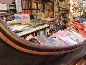 義大利威尼斯 Venice 城堡區 Sestiere Castello 必玩 - Libreria Acqua Alta 高水位書店 = 漲潮書店