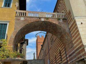 義大利威尼斯 Verona 維羅納 必玩 - Arco della Costa 鯨肋拱門